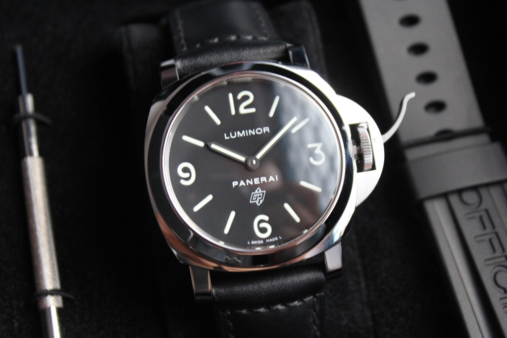 Panerai entry cost PAM000