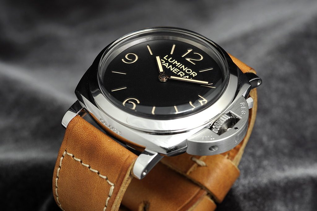 Top 8 Panerai watches PAM372