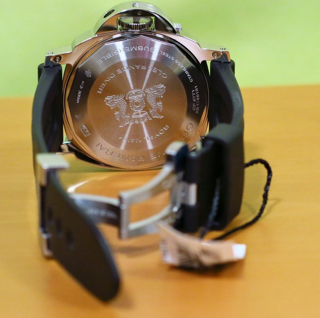 Panerai PAM664 review Caseback shot
